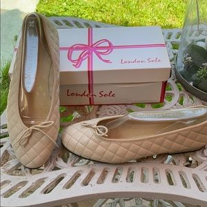 NWOT LONDON SOLE QUILTED BEIGE LEATHER BALLET FLAT